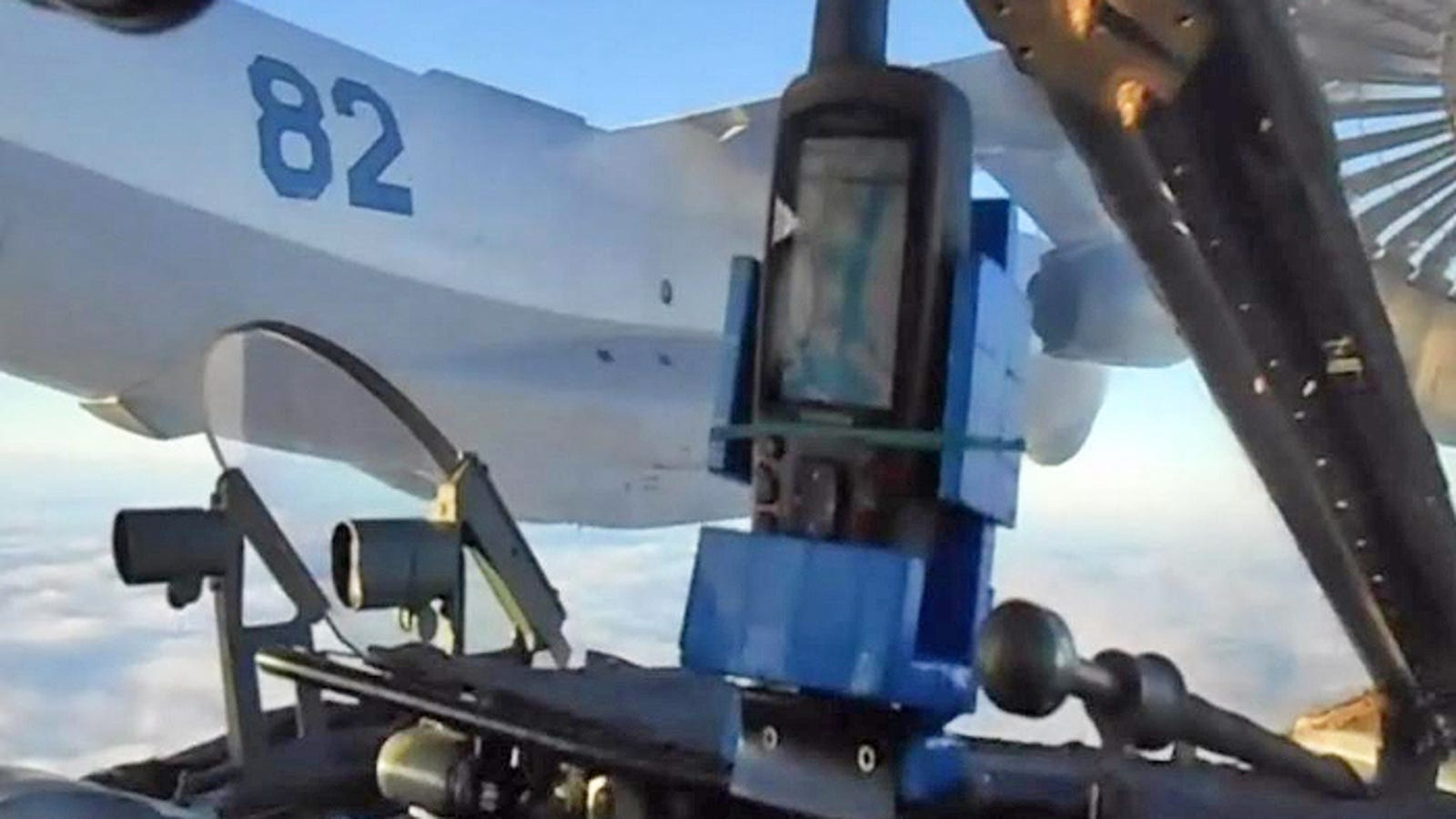 Check Out The Walmart-Grade GPS Systems In These Russian Attack Jets