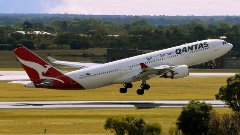 Illustration for article titled Qantas Flight Diverted By Drunk, Booze-Thieving Handcuff Breaker