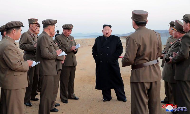 """Illustration for article titled Corea del Norte anuncia que Kim Jong-un está supervisando el desarrollo de nuevo armamento """"ultramoderno"""""""