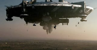 Illustration for article titled Behind the Scenes of District 9