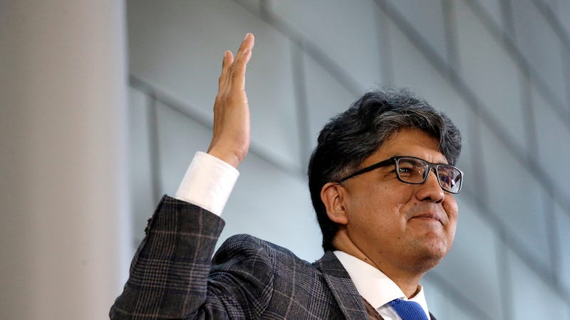 Illustration for article titled Writer Sherman Alexie Issues Statement on Sexual HarassmentClaims
