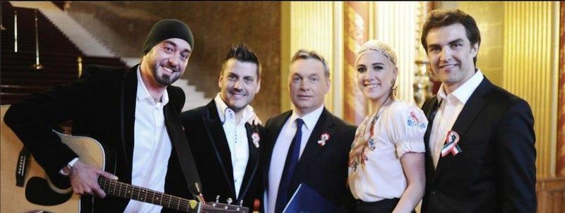 Illustration for article titled Kommenteld szét: ki min játszhat ebben a zenekarban?