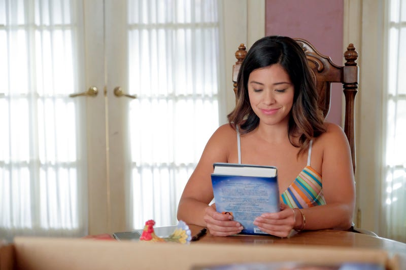 Illustration for article titled Jane The Virgin's book release is a celebration undercut by grief