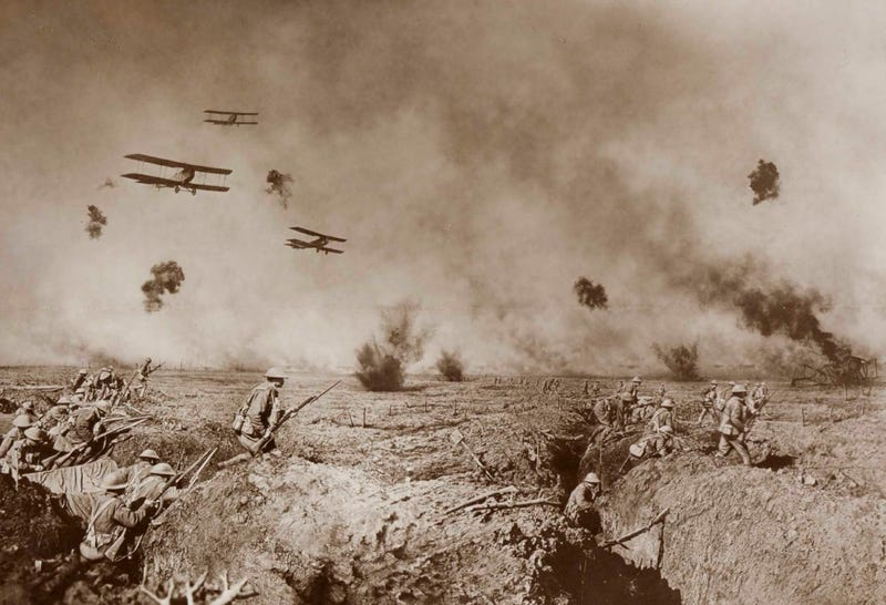 Illustration for article titled This composite photograph from WWI is better than most Photoshops