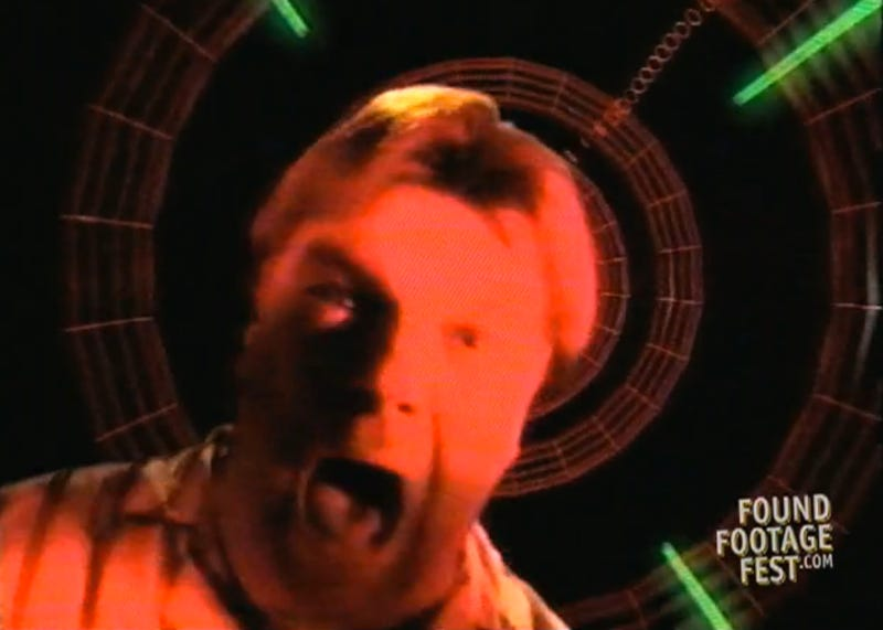 Illustration for article titled This 1998 Video Sends You Inside The Web to Learn About Evil Cyberpunks