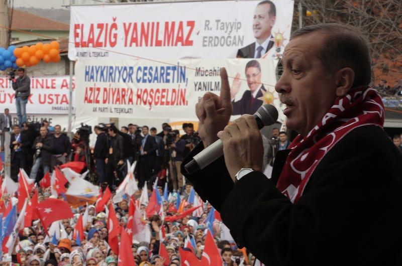Illustration for article titled El gobierno turco asegura que prohibirá Facebook y YouTube en el país