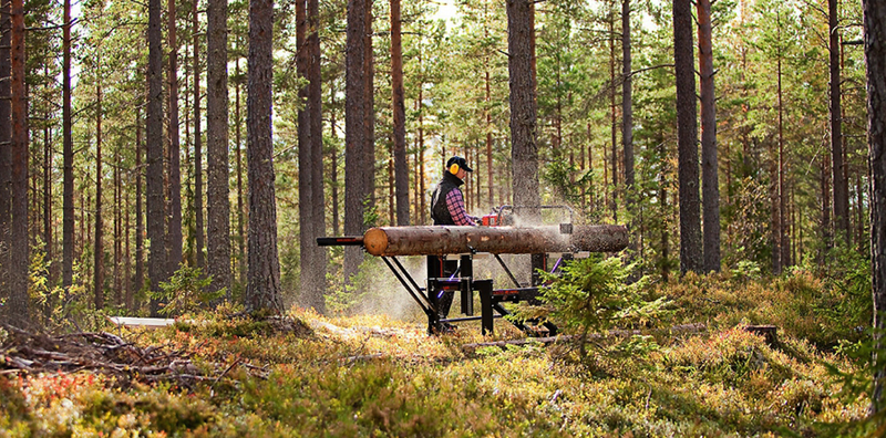 Illustration for article titled An Ingenious Portable Sawmill Lets One Person Turn Trees Into Lumber