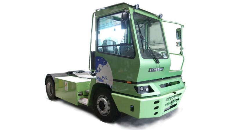 Illustration for article titled BMW Factory's New Fully-Electric Shop Truck Can Haul 36 Tons, Slowly