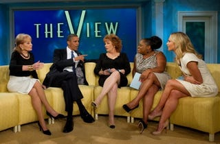 Illustration for article titled Obama Meets the Ladies of 'The View'