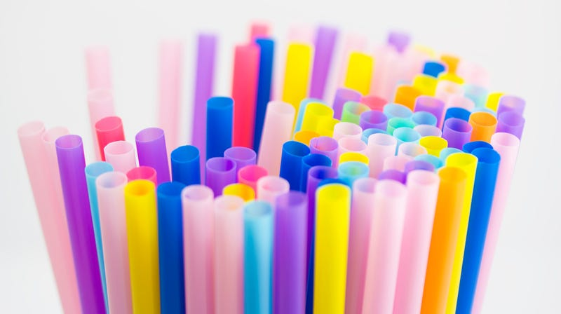 Illustration for article titled Seattle becomes largest U.S. city to ban plastic straws and utensils