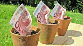 Illustration for article titled As the financial system falters, some Greeks are turning to alternative currencies