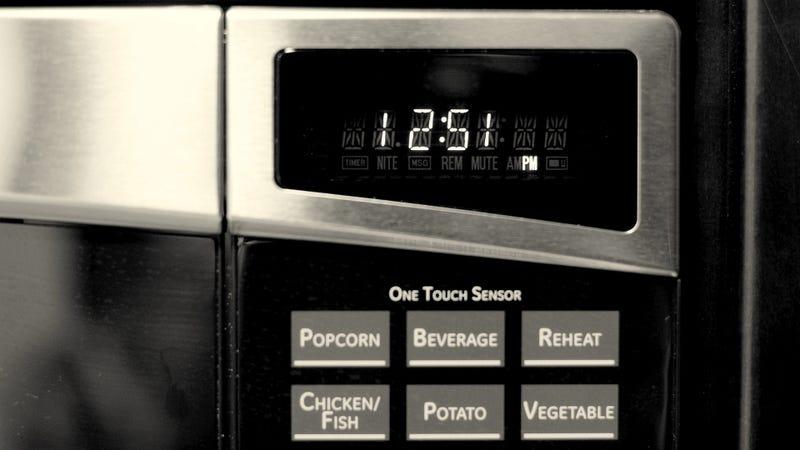 La hora de tu microondas podría estar atrasada