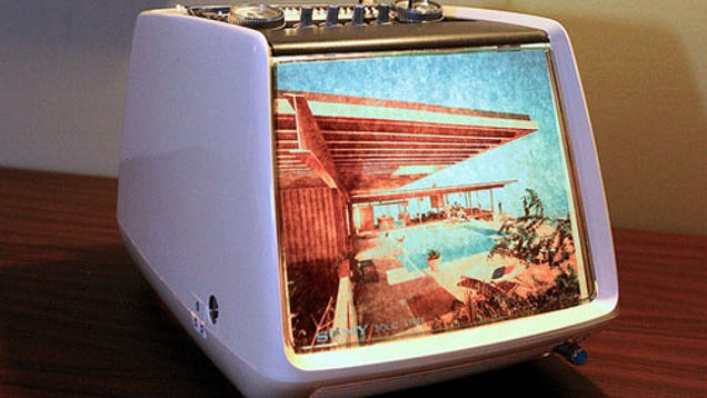 Turn An Old Tv Set Into A Lighted Retro Picture Frame