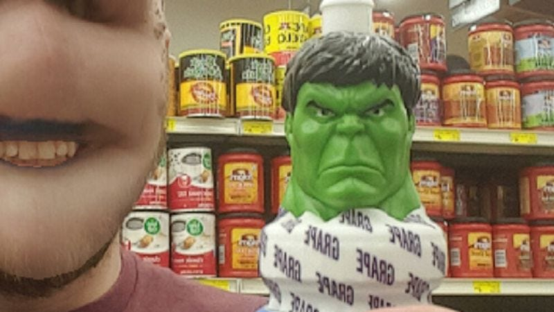 Illustration for article titled This guy tried and failed to swap his face with the Hulk's