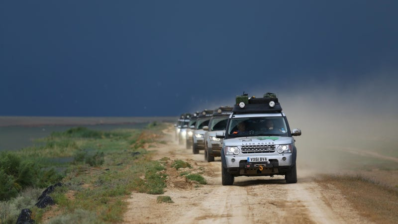 Illustration for article titled Range Rover Hybrids on the Silk Trail 2013 Expedition Reach the Ancient Silk Roads, Half-way to Their Mumbai Destination