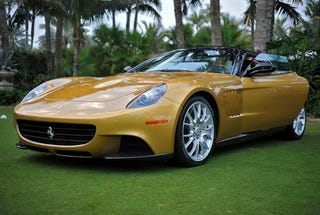 Illustration for article titled Ferrari P540 Superfast Aperta Shows Off Gold Skin In Palm Beach