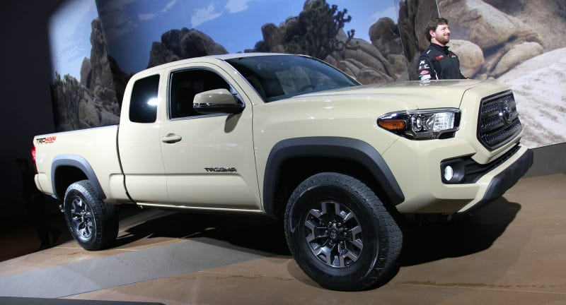 Illustration for article titled The 2016 Toyota Tacoma Will Have An Actual Engine