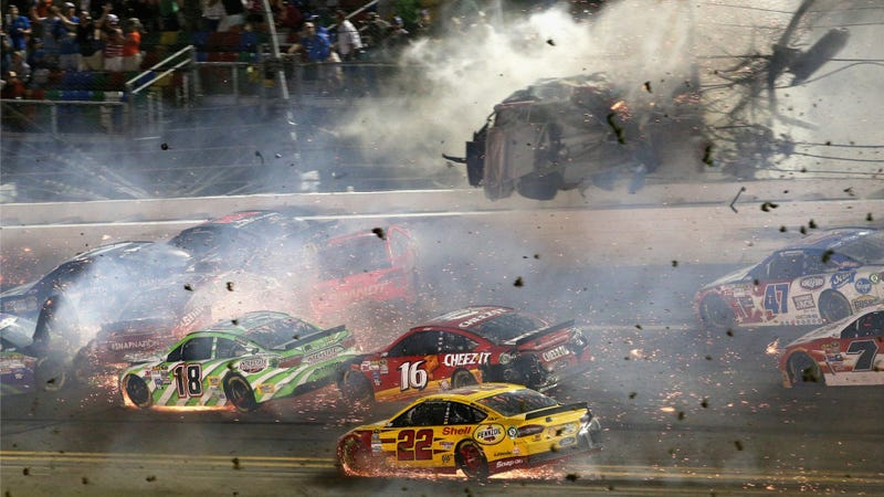 Illustration for article titled Terrifying Fan Video Shows NASCAR Race Car Crashing Into Catch Fence