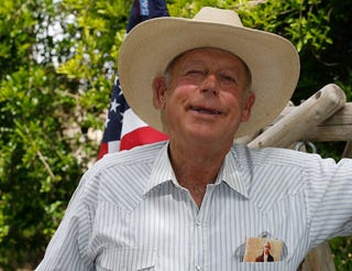 Illustration for article titled Racist Coot Cliven Bundy Now Comparing Himself to Rosa Parks