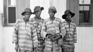 A Southern chain gang; photo taken between 1900 and 1906 Library of Congress