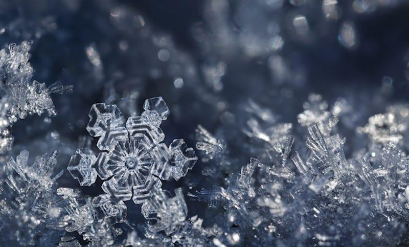 Los copos de nieve son un ejemplo de fractales en la naturaleza