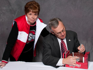 Illustration for article titled Many Special People Excitedly Posed For Pictures With Jim Tressel Last Week