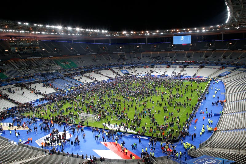 Illustration for article titled Decision Not To Evacuate Stade de France During Paris Attacks May Have Saved Many Lives