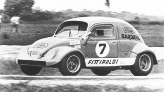 Illustration for article titled Emerson Fittipaldi's double-engined Volkswagen Beetle