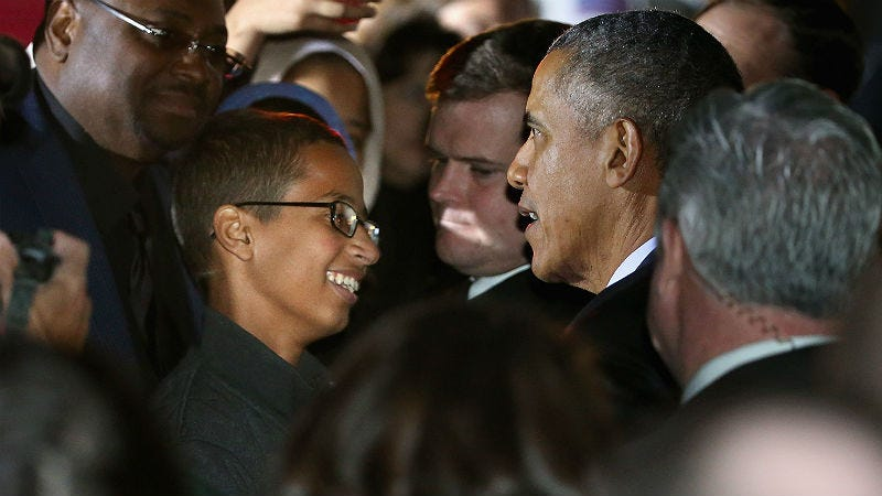 Illustration for article titled Ahmed Mohamed Finally Met President Obama