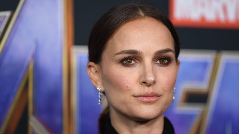 Illustration for article titled Natalie Portman was at the Avengers: Endgame premiere, which is interesting