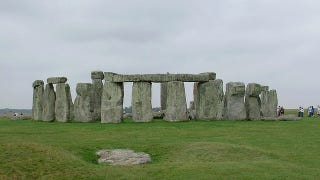 Illustration for article titled Constructing Stonehenge was the project that unified Britain