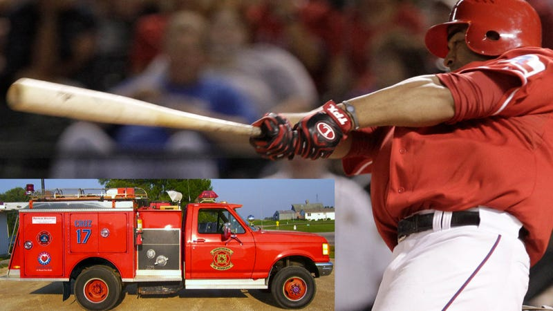 Illustration for article titled The Texas Rangers' Nelson Cruz Bought A Fire Truck For His Dominican Hometown