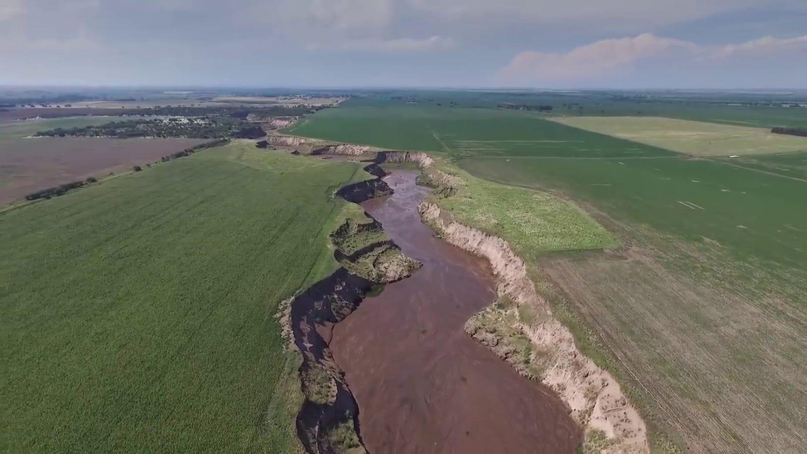 Río Nuevo: el río que apareció de la noche a la mañana en Argentina sembrando el caos