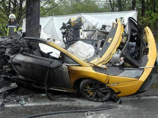 Illustration for article titled Lamborghini Rep, Passenger Die In Fiery Crash