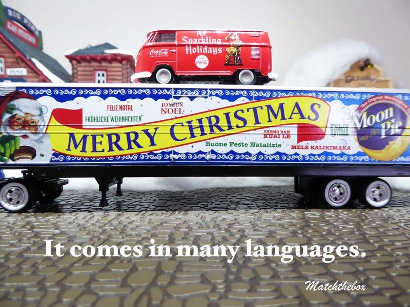 Illustration for article titled Merry Christmas, Feliz Navidad, Maligayang Pasko,Vrolijk kerstfeest to all LaLDers