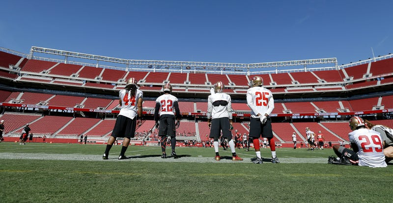 Illustration for article titled The 49ers' Turf Is Still Terrible