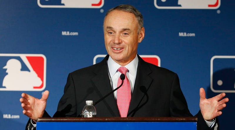 Illustration for article titled Rob Manfred Won't Rule Out A Shorter Baseball Season