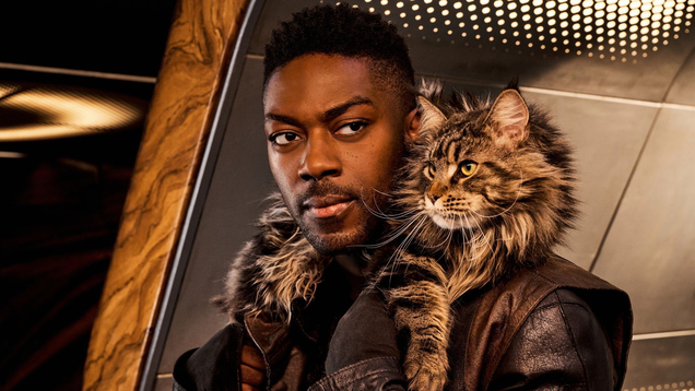 David Ajala Tells All About Star Trek: Discovery s Most Important Cast Member: Grudge the Cat