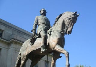 Statue of Wade Hampton III in South Carolina (Billy Hathorn, Wikimedia Commons)