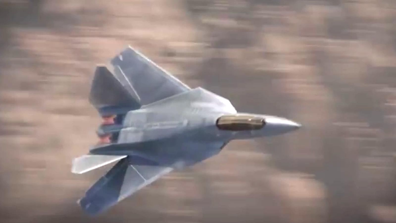 Trump aplaude el envío a Noruega de varios cazas F-52, que solo existen en el videojuego Call of Duty