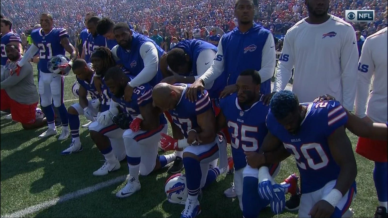 Here's How NFL Teams Demonstrated During The National Anthem Today