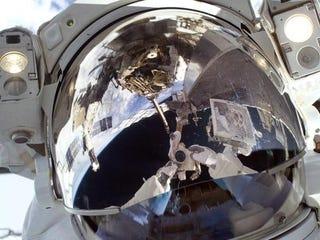 Illustration for article titled Astronaut Self-Portrait