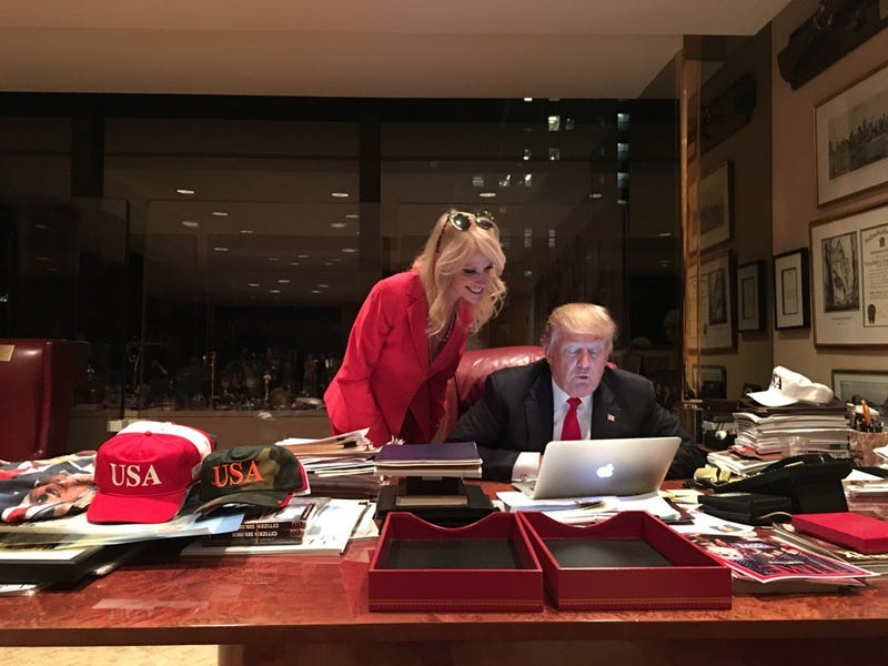 "Photo of Donald Trump ""using"" a computer as Kellyanne Conway looks on (Twitter)"