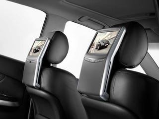 Illustration for article titled Lexus Does Backseat Entertainment Systems, Gets It Right