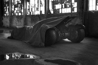 Illustration for article titled Behold, The First Look At Batman Vs. Superman's New Batmobile