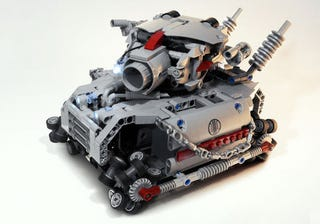 Illustration for article titled The LEGO Metal Slug Hauls Some Serious Ass