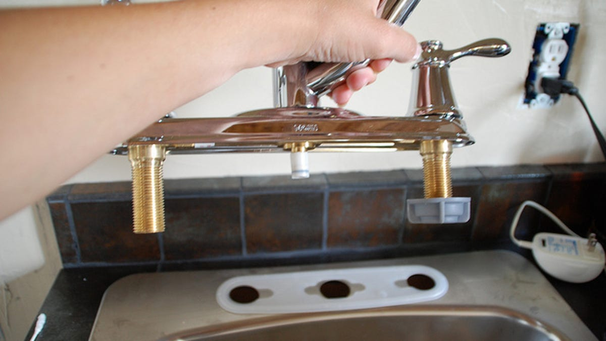 How to Change a Faucet