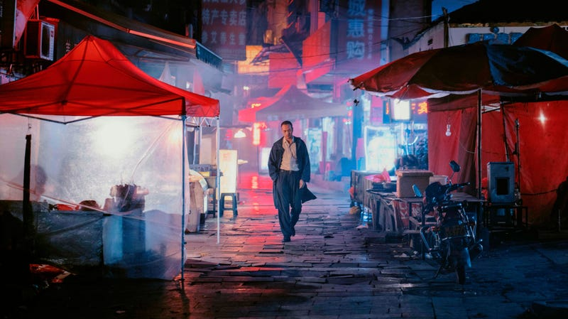 Illustration for article titled An hour-long 3D shot is just one beguiling attraction of the movie-drunk Long Day's Journey Into Night