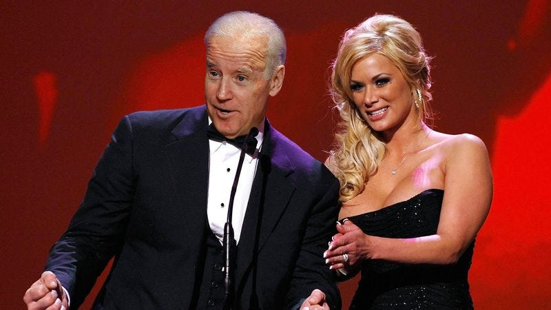Illustration for article titled Biden Co-Presents Best New Starlet Award With Shyla Stylez At 2015 AVN Adult Movie Awards Show
