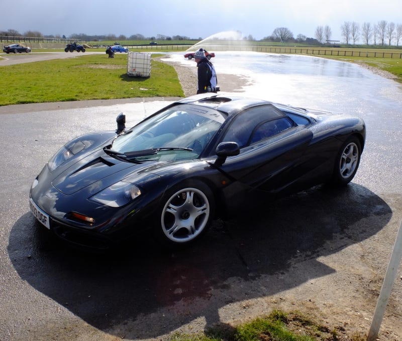 Illustration for article titled The McLaren F1 and the Skidpan